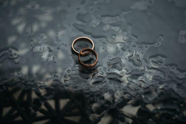 結婚前調査を探偵に頼むメリットデメリット!